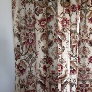 Accents - Curtains